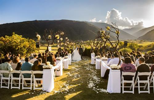Gallery Image lakeside_ceremony.jpg