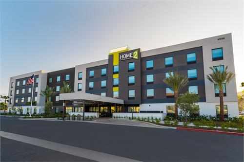 Gallery Image corona-home-2-suites-exterior-day.jpg