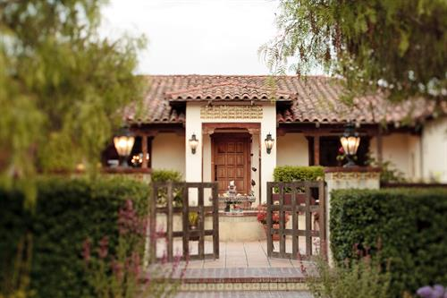 Casitas Estate main entry