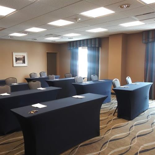 Gallery Image Hampton_Meeting_Room_(Front).jpg