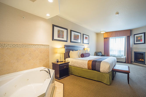 A night for two? We have a king suite with a whirlpool included!