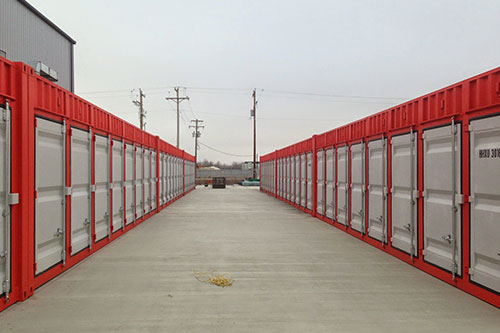 857 storage units in a variety of sizes to meet your warehousing needs.