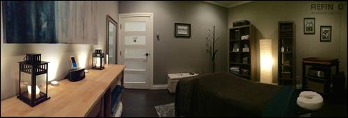 Gallery Image Refined_Massage_Therapy-_Room_2_Panorama_2.jpg