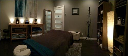 Gallery Image Refined_Massage_Therapy-_Room_2_Panorama_3.jpg