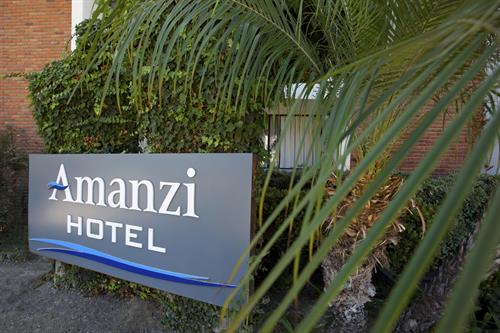 Amanzi Hotel, a boutique hotel in Ventura, California for the perfect beach getaway.