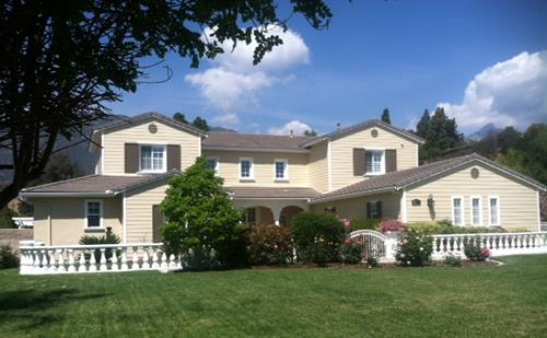 Single Family Home in Padua, Claremont