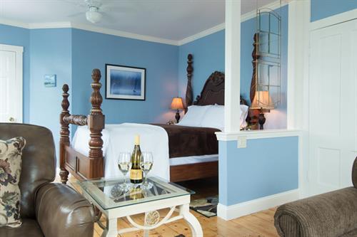 Webster Lake Room