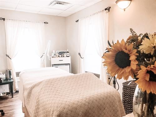 Gallery Image Esthetics_Meredith_NH_Spa.jpg
