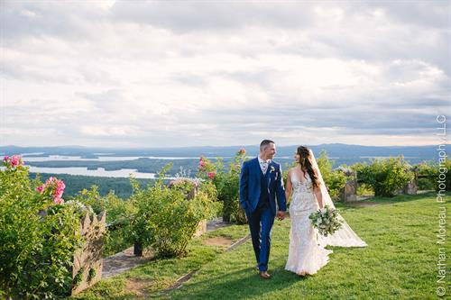 Nathan Moreau Photo of a Castle in the Clouds wedding.