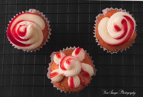 Strawberry cupcakes with cheese cream frosting