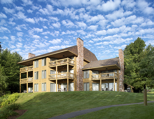 Gallery Image summit_building1.jpg