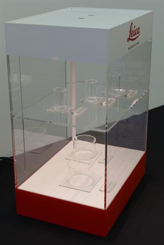sample custom show display
