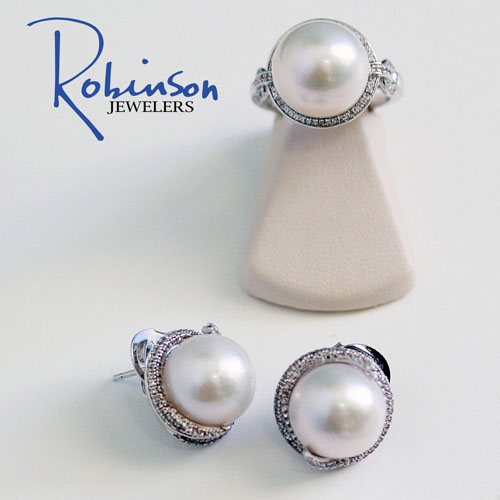 We have everything from pearls to a simple chain.