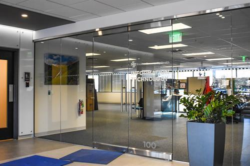www.sladeglass.com