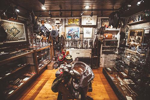 Gallery Image Cowboy_Room.jpg