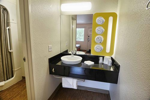Gallery Image m6_Motel6X267_bathroom35.jpg
