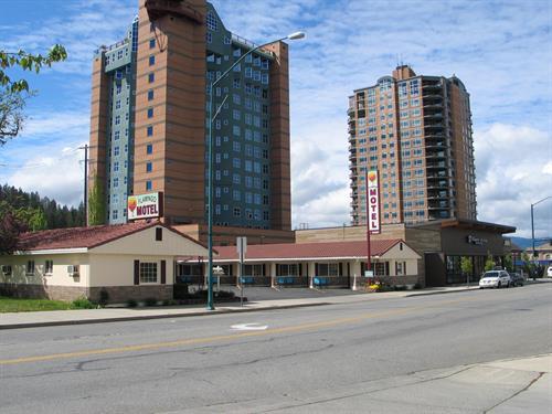 2017 The Flamingo Motel