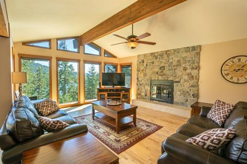 Fernan Lake Lodge is one of 60+ vacation rentals managed by PROS/VRA