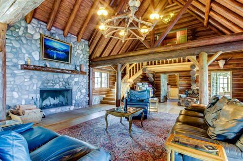 Cougar Bay Lodge by Vacasa