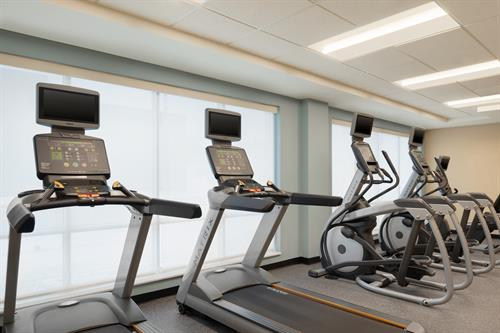 Gallery Image TownePlace_Suites_Dubuque_Downtown_-_Fitness_Center_-_1359697.jpg