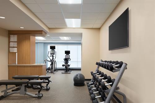 Gallery Image TownePlace_Suites_Dubuque_Downtown_-_Fitness_Center_-_1359699.jpg