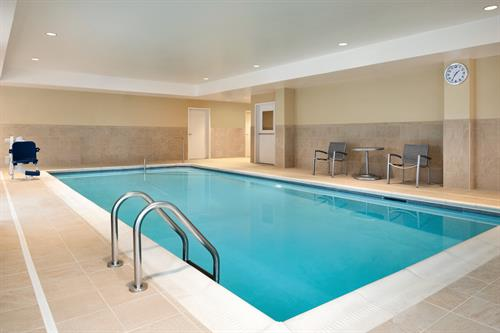 Gallery Image TownePlace_Suites_Dubuque_Downtown_-_Pool_-_1359720.jpg