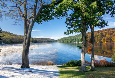 Enjoy the Four Seasons of Deep Creek Lake, Maryland!