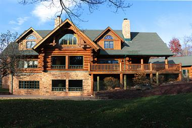 Log Home Rear