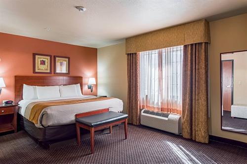 Bedroom of 2 room suite