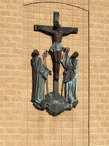 Christ sculpture on front of Sparrows Nest