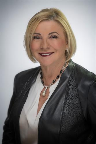 Karen Ellenbecker - EIG Founder/Senior Wealth Advisor/Host of MoneySense Radio Show