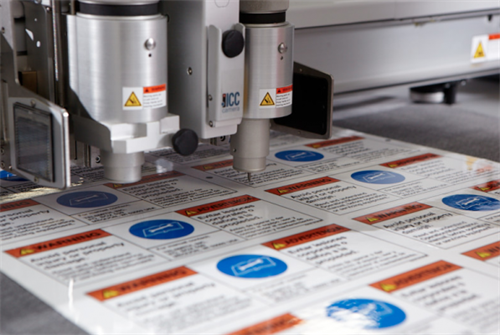 Precise digital cutting of labels reduces lead times and eliminates costly tool charges.