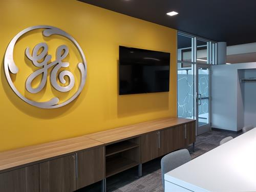 Gallery Image GE-Health-Care-Dimensional-Letters-scaled.jpg