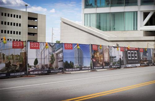 Gallery Image real-estate-signs-pic-2.jpg