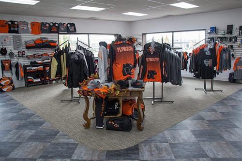 Gallery Image custom_craft_showroom.jpg