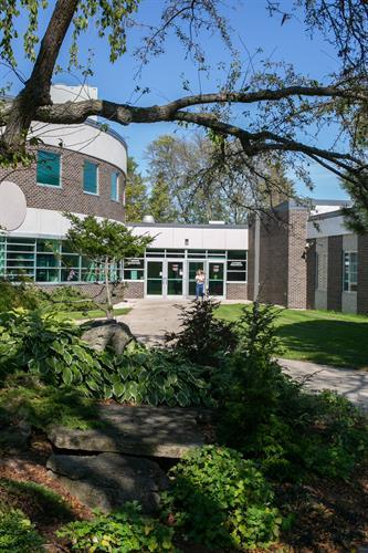 Gallery Image Sheboygan_Campus_Scenes-1.jpg