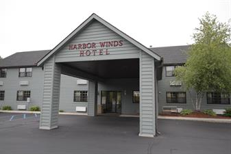 Harbor Winds Hotel