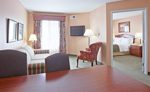 Gallery Image GrandStay_Sheboygan-StandardSingle.jpg