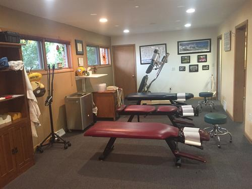 We have open adjusting and therapy tables.