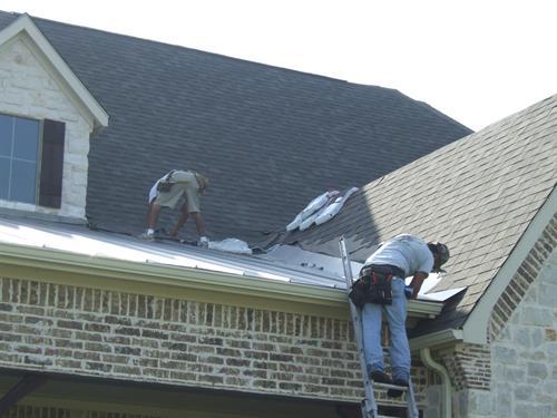 Gallery Image 5350_Oak_Bend-_metal_roof_(2).JPG