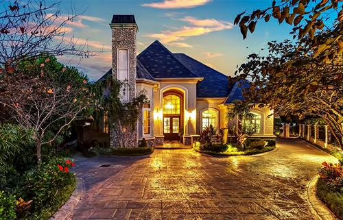 Gallery Image 003-westover-hills-dallas-fort-worth-texas-luxury-real-estate-luxury-living-lone-star-state.jpg