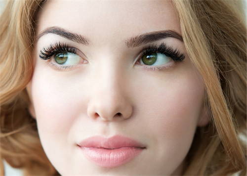 Video Vixen - This amazing set of lashes are for the girl who wants to go all the way.