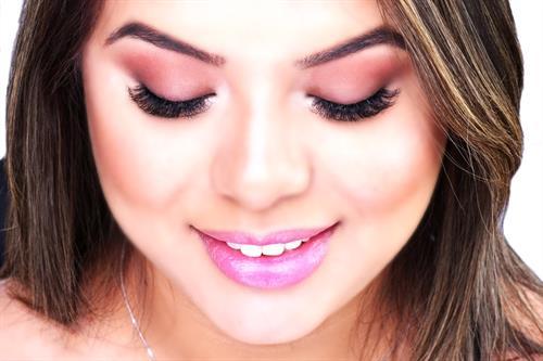 3D Volume Eyelash Extensions: 200-300 Eyelash Extensions (Triple the fullness)