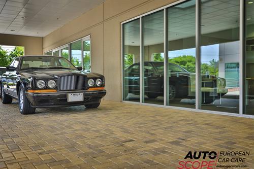 Gallery Image Bentley_at_Autoscope_European_Car_Care_-_Dallas_-_Park_Ciites.jpg