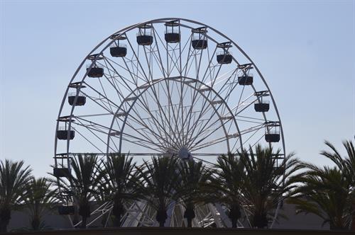 Spectrum ferris wheel