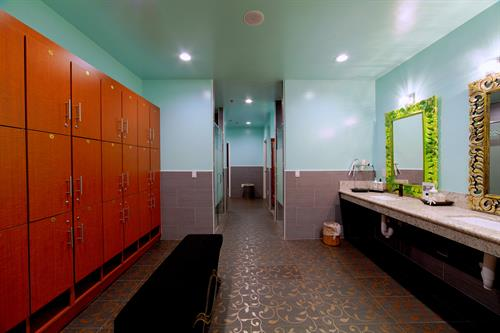 Hylunia spa's ladies locker room