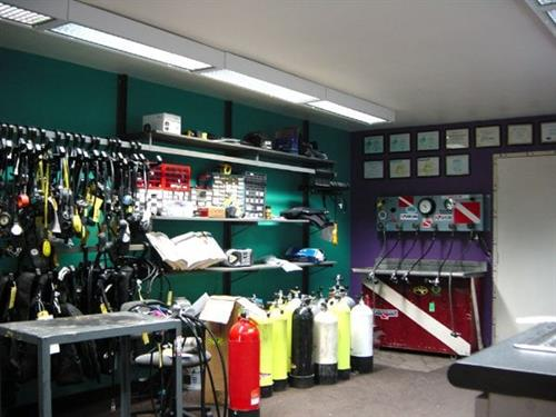 Scuba.com is a fully equipped, factory authorized repair facility for all major brands.