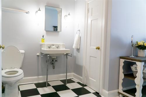 Suite 3 A/B Shared Bathroom