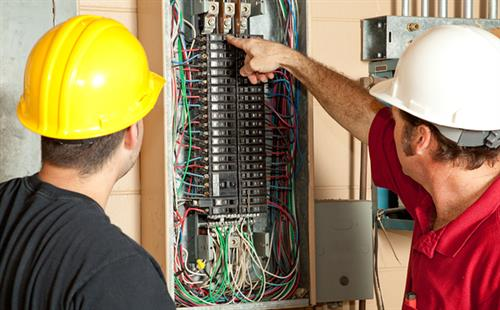 Gallery Image bigstock-Electricians-Replace--Amp-Br-4930144_600x.jpg