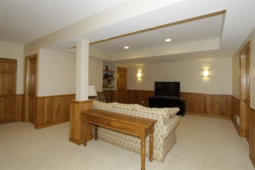 Gallery Image Basement_Remodeling_in_Wheaton_IL_by_Rosseland_Remodeling_(13).jpg